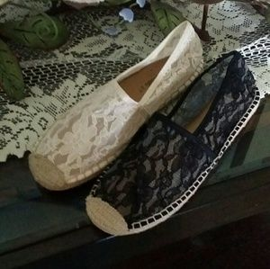 Breckelle's Lace Flats